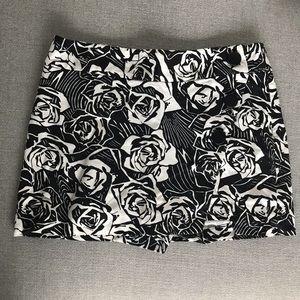 Express B&W Rose Print Mini Skort